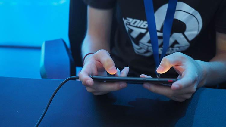 游戏神器总被抢空 8月2日红魔将会再开售