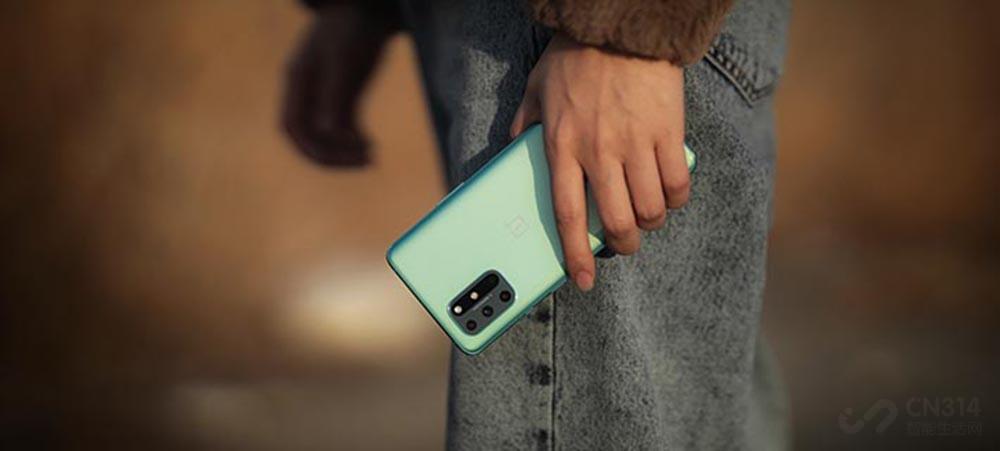 握持轻盈不疲惫 十款轻薄手机值得你去选