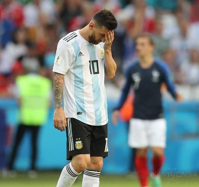 世界杯绝杀大战 没个大电池手机怎能挺住?