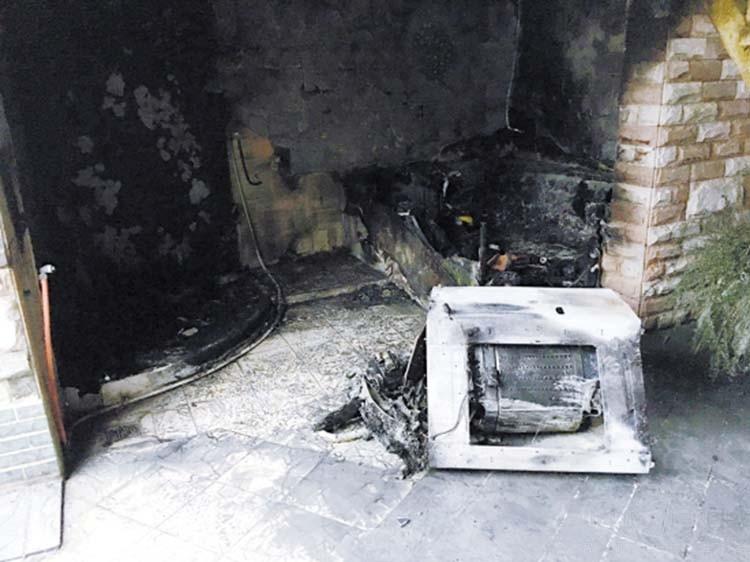 """插线板烧毁房屋 这些""""火""""或将烧上315舞台"""