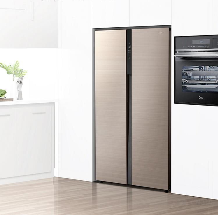 给新家配了台新冰箱 我跟家人都特别满意