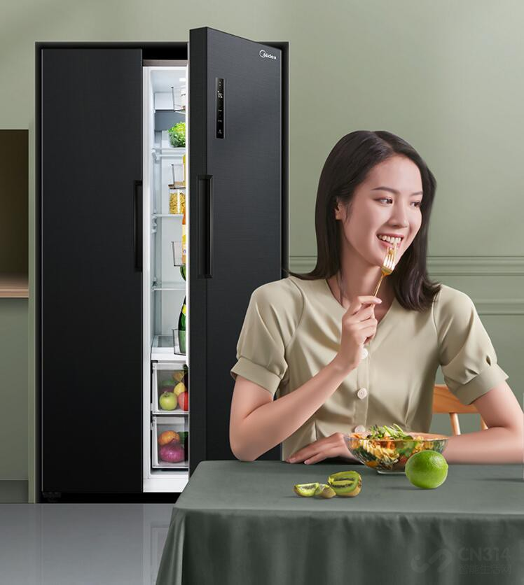 新冰箱用好久居然没异味 我跟家人很开心
