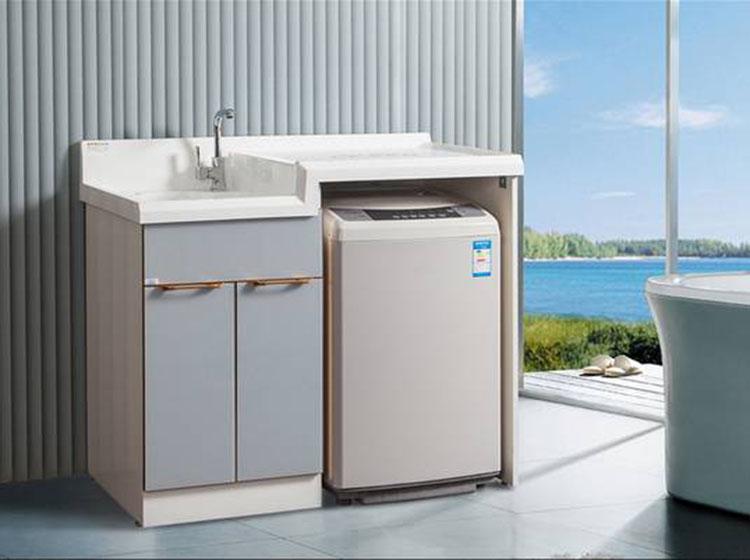 租房族脏衣堆积 一台波轮洗衣机足以应对