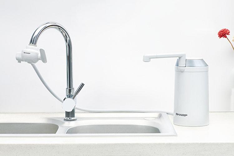 捍卫健康从饮水开始 净水器让饮水不发愁