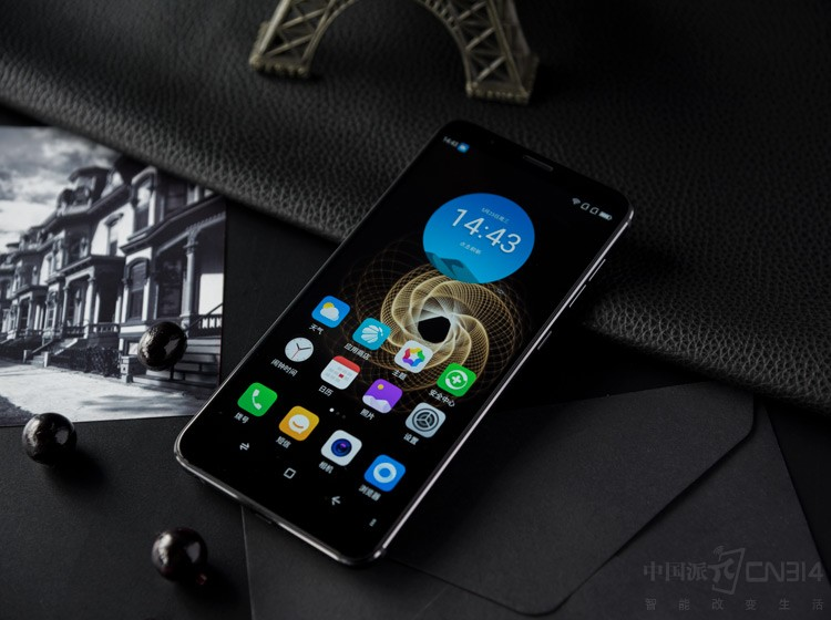 360手机N7评测 连续吃鸡6小时不歇菜!