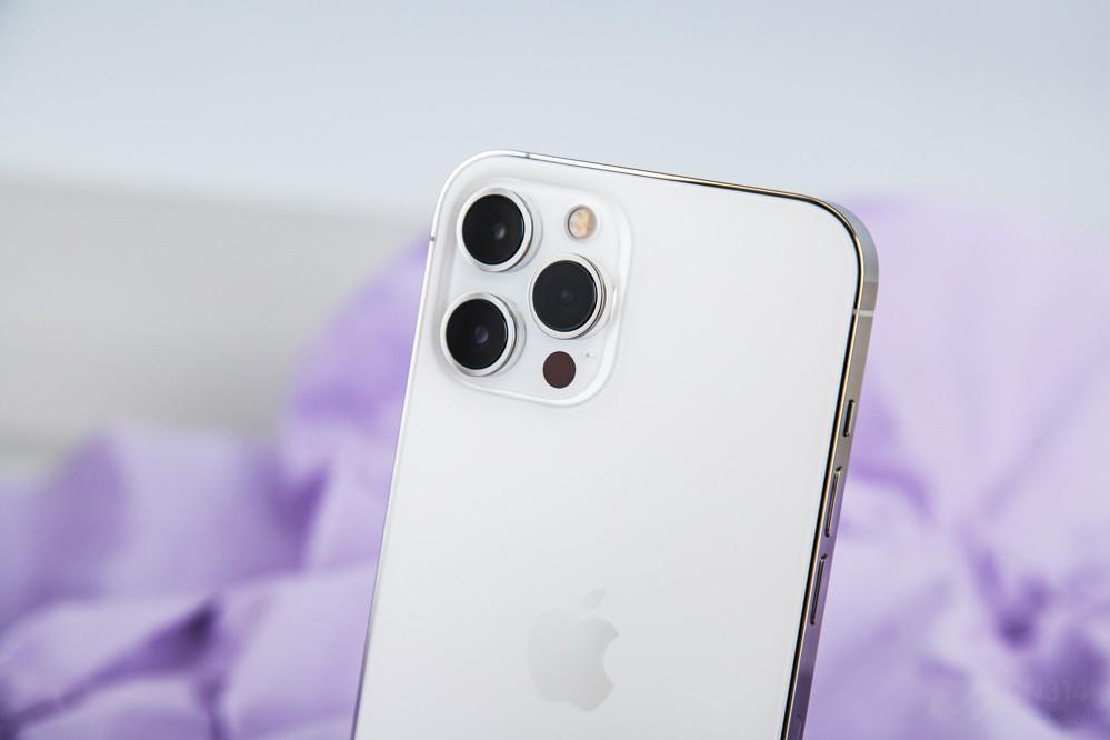 iPhone镜头挤牙膏要到2022年,惊不惊喜?