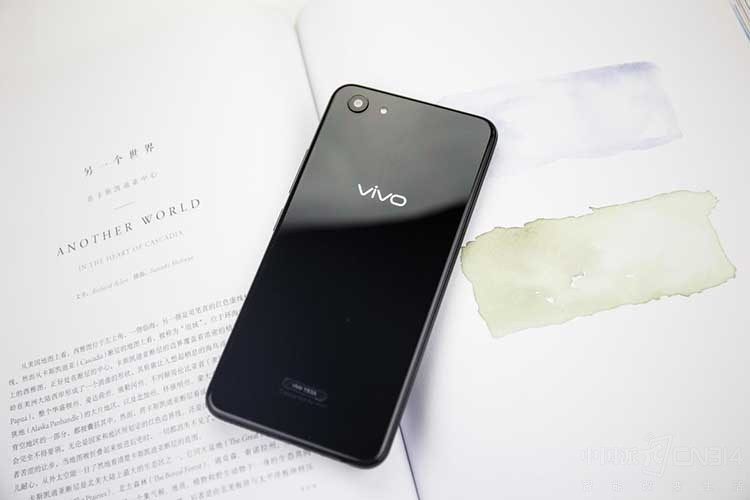 vivo Y83体验:兼备颜值与人工智能的神机