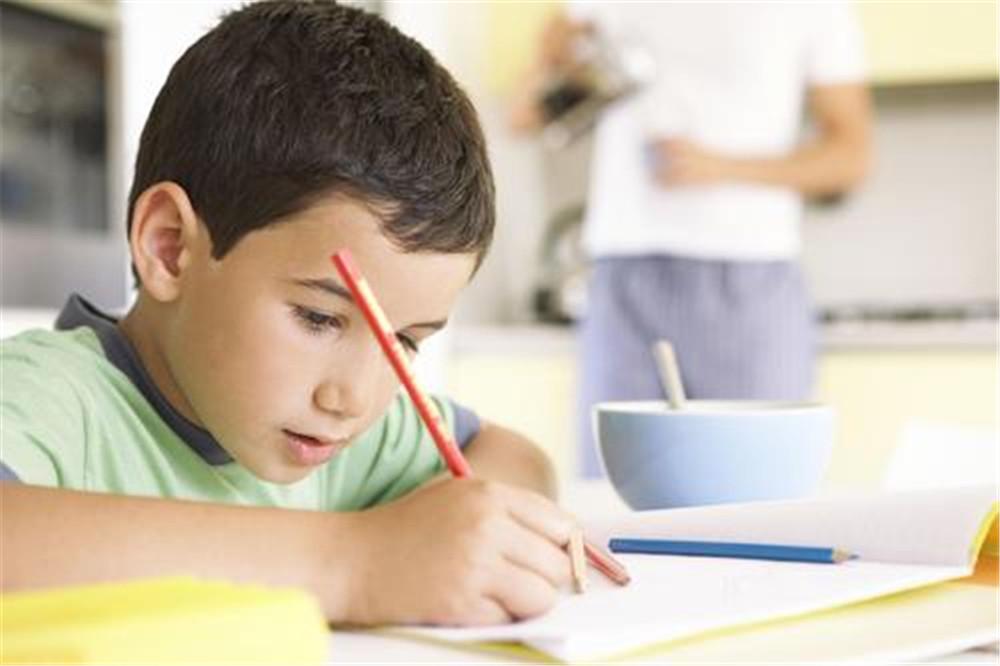 没时间陪孩子学习?讯飞口袋打印机来解忧