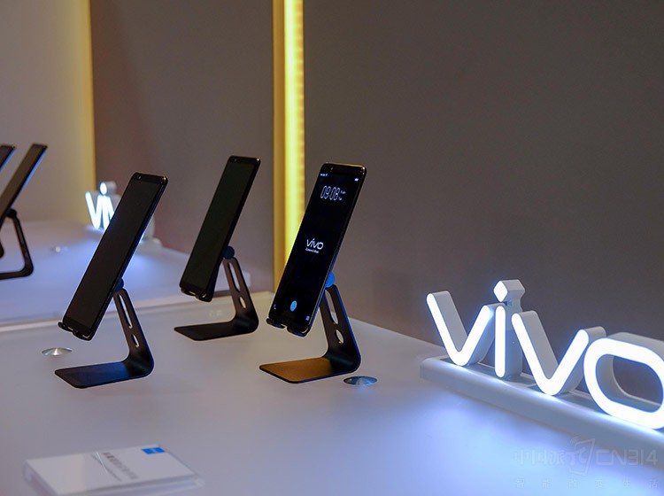 vivo新颖屏幕指纹解锁技术带来绝佳体验