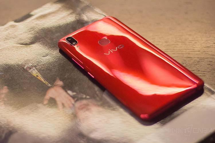 打响互联网手机第一炮:vivo Z1上手评析